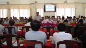 Đồng chí Nguyễn Chí Hiến - Phó Chủ tịch Thường trực UBND tỉnh phát biểu tại hội nghị