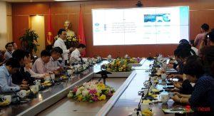 Cho biết 2 việc xây dựng, nâng cấp để cho ra mắt 2 ứng dụng NCOVI và Vietnam health declaration là kết quả hợp sức trong 48 tiếng của các doanh nghiệp CNTT Việt Nam, Cục trưởng Cục Tin học (Bộ TT&TT) Nguyễn Huy Dũng cũng khẳng định, ứng dụng chính thức của cơ quan nhà nước được bảo đảm an toàn, an ninh mạng chặt chẽ.